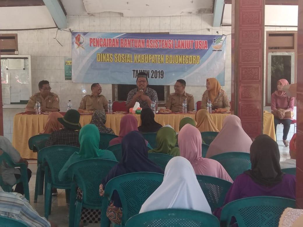 Pencairan Bantuan Asistensi Lanjut Usia<BR>Desa Nguken Kecamata padangan